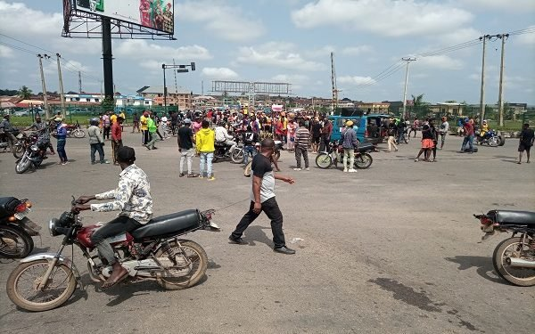 #EndSARS protesters storm Osogbo streets