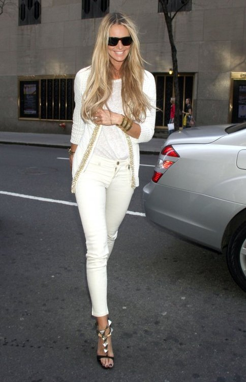 elle-mcpherson-all-white-summer-trend