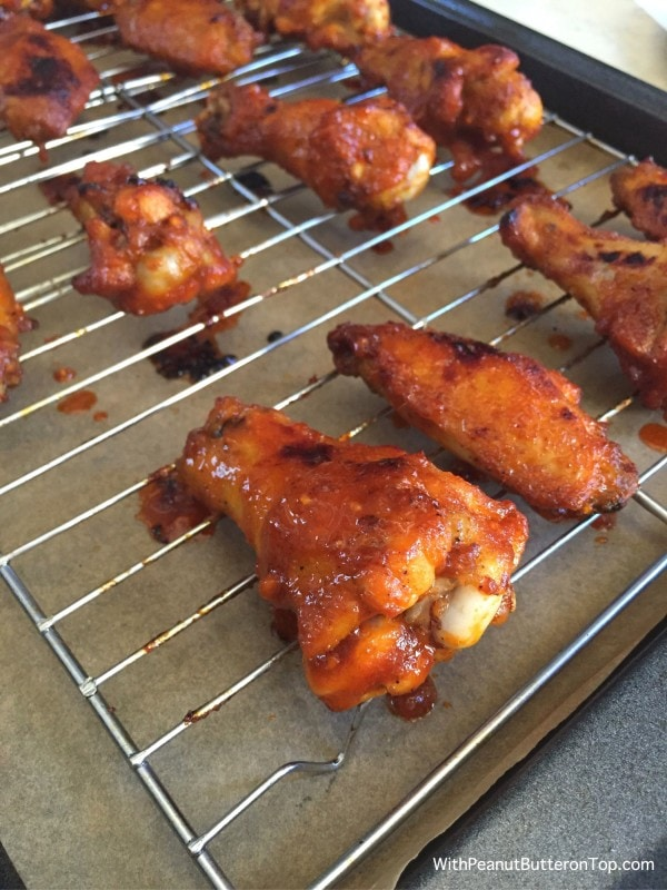 Sweet and Spicy Sriracha Wings | www.withpeanutbutterontop.com