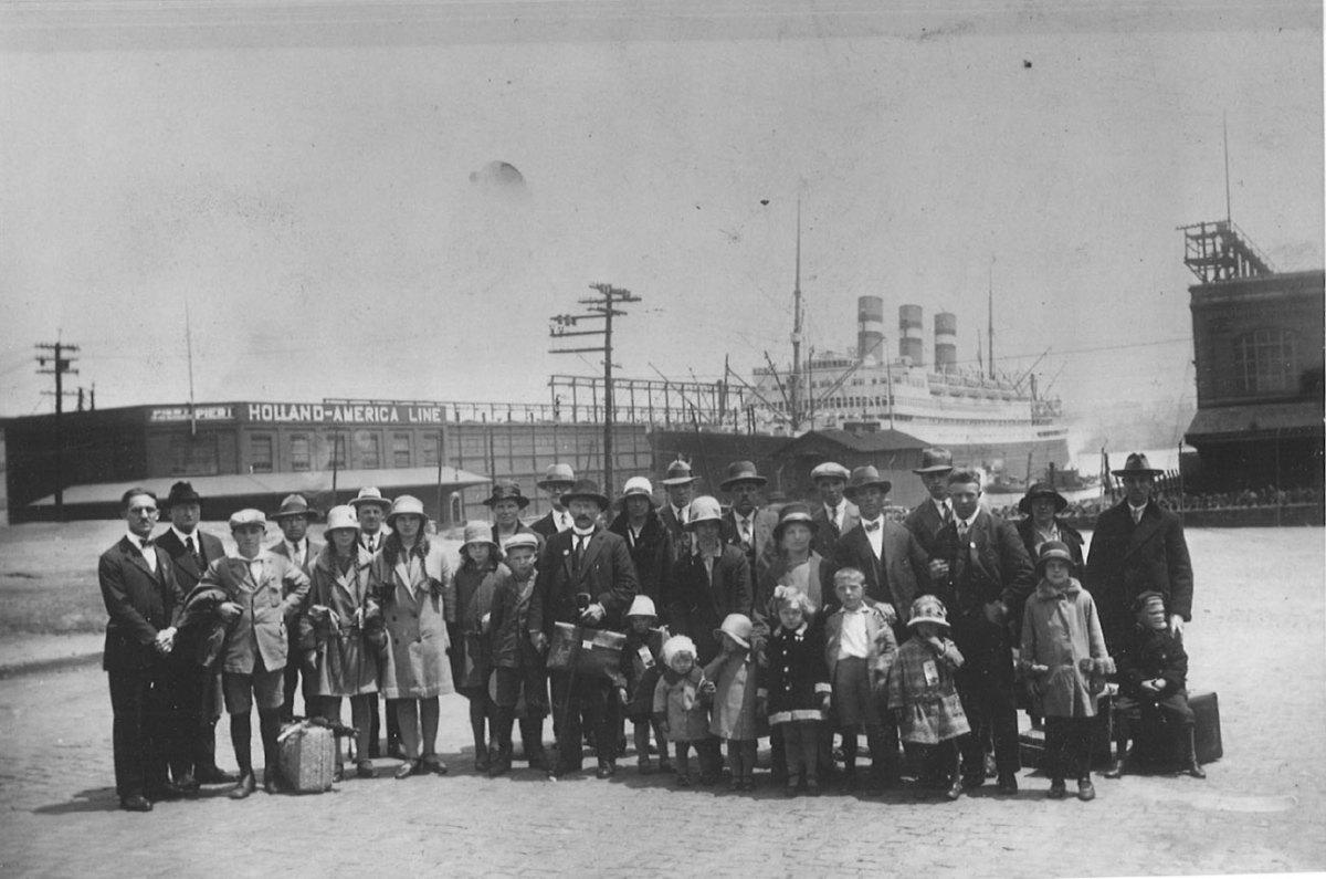 The Dutch: Emigration to North America