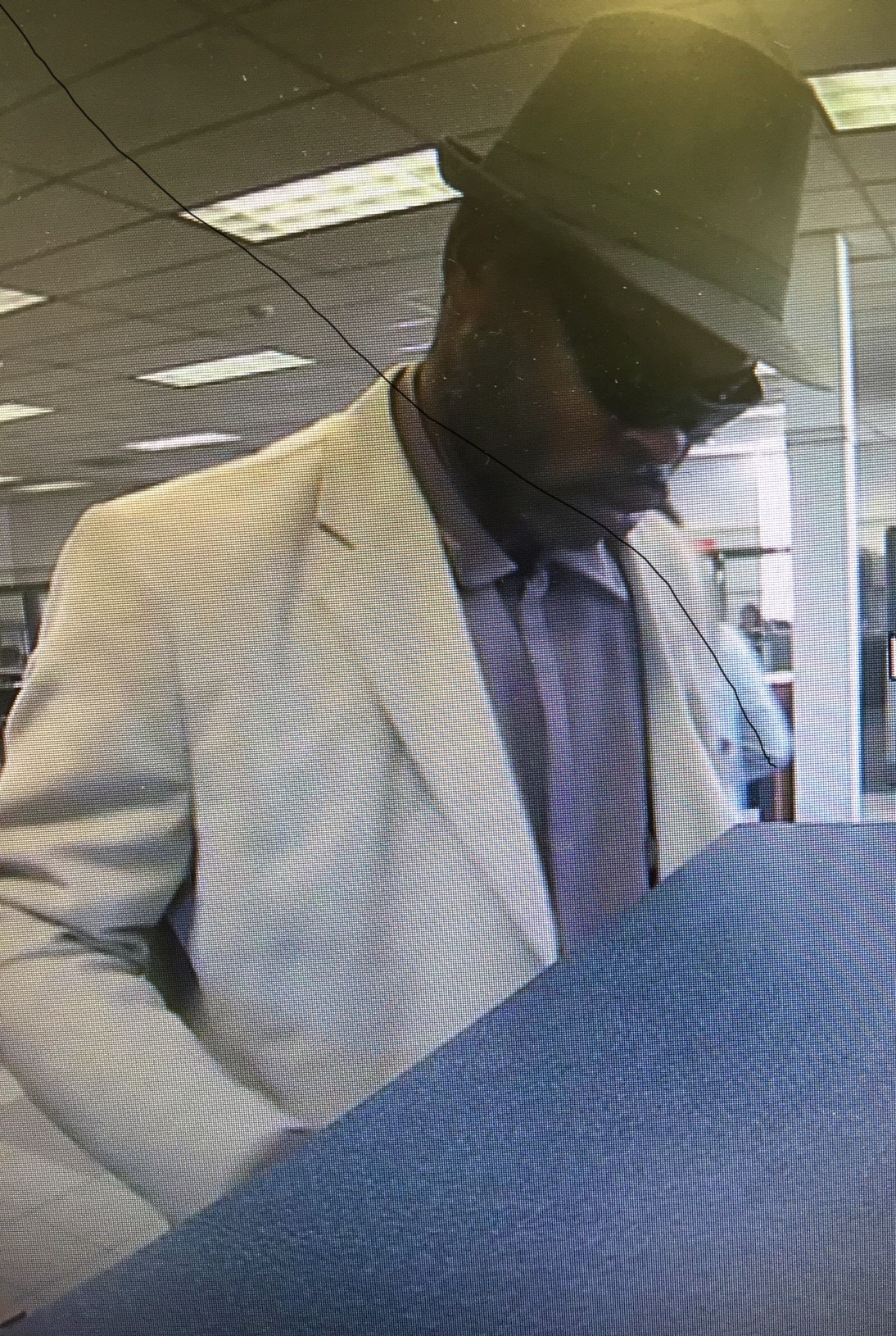 bank robbery suspect_472011