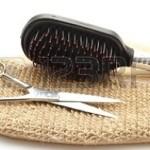 hairbrush-with-scissors