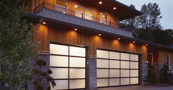 Factors To Consider When Selecting New Garage Doors For Home Security