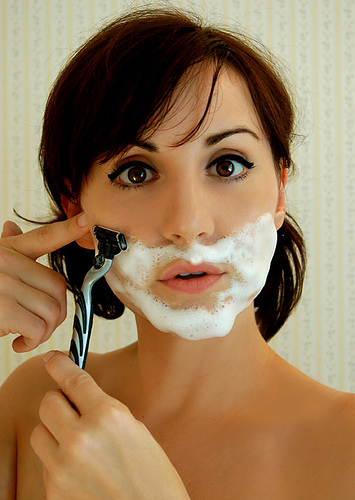 woman-shaving