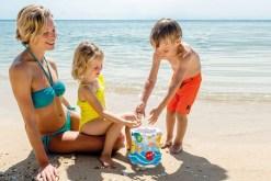 Cubeta de playa infantil con fondo transparente - Inflables de Mayoreo