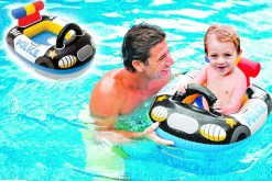 Divertidos flotadores inflables en 3 divertidos modelos para rescate o emergencias avión, bombero y patrulla los cuales tienen una medida de73 centímetros de largo por 58 centímetros de ancho por supuesto esto permite que sean para niñosy niñas máximo 11 kg (Kiddie FloatsIntex 59586)