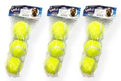 Paquete de 3 Pelotas con silbato que al apachurrar suena !!! son ideales para jugar con tu mascota están diseñadas de caucho forradas de fieltro amarillo intenso para llamar la atención de los perros o gatos