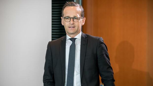 Heiko Maas macht beim Gesetz, das soziale Netzwerke zum Löschen verpflichten soll. Quelle: dpa