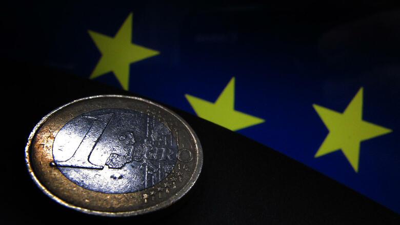 Patru din cinci cetățeni germani (81 la sută) cred că criza euro nu sa încheiat încă.  Acesta este rezultatul unui sondaj reprezentativ realizat de firma de votare Insa, în numele ziarului