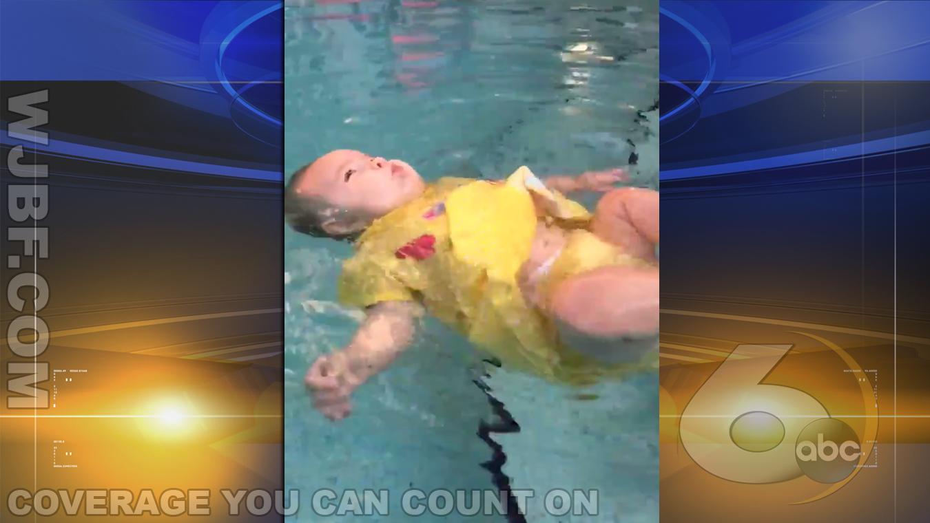 swimming_baby_144827