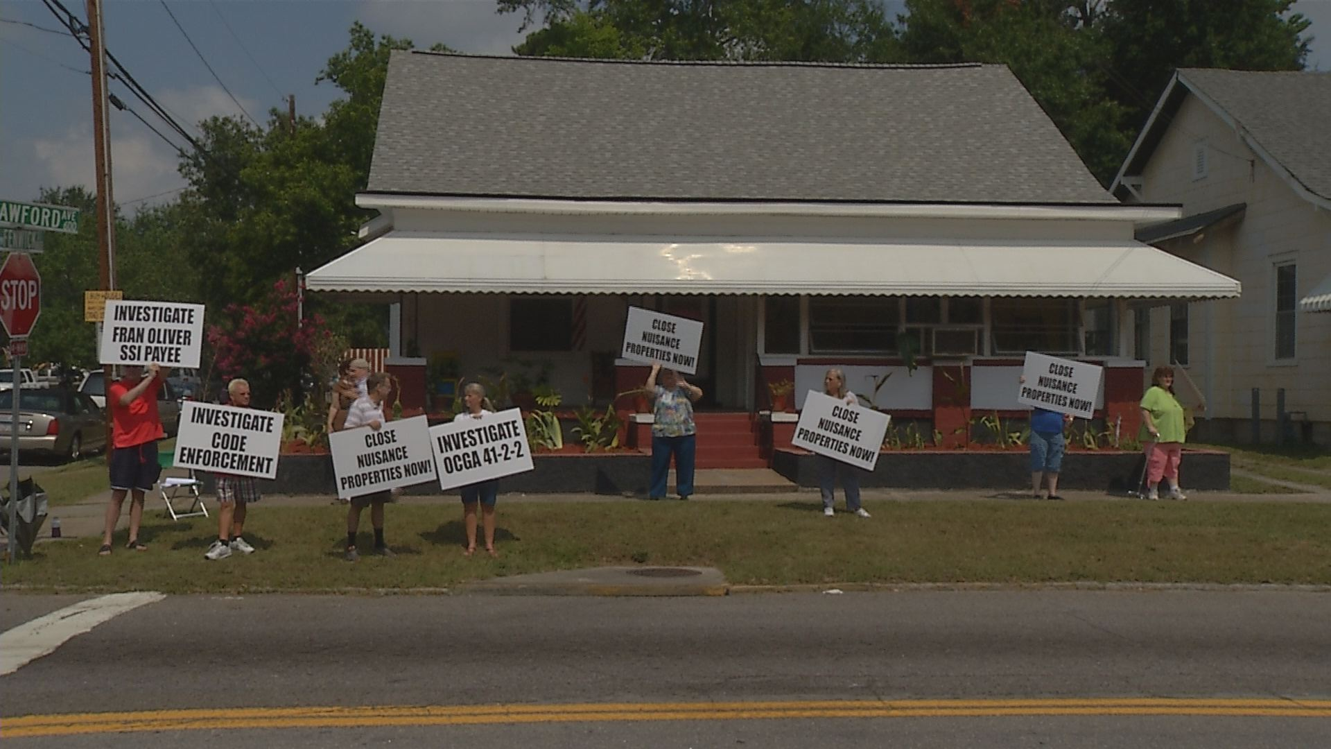 Protestors Want Mercy Ministries to be Condemned_158604