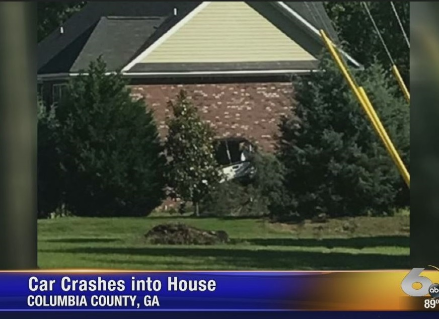 car into house_261919