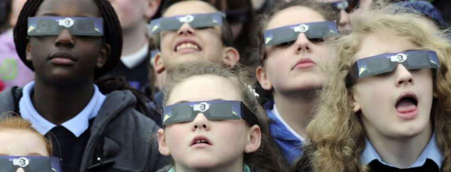 solar glasses cell phone_299774
