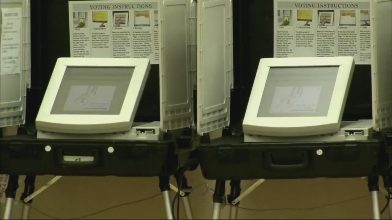 votingmachines_296055