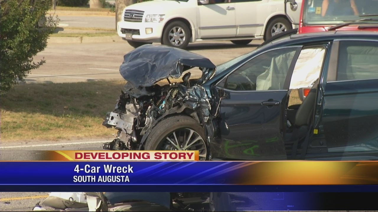 Multiple vehicle car crash on Tobacco Rd.