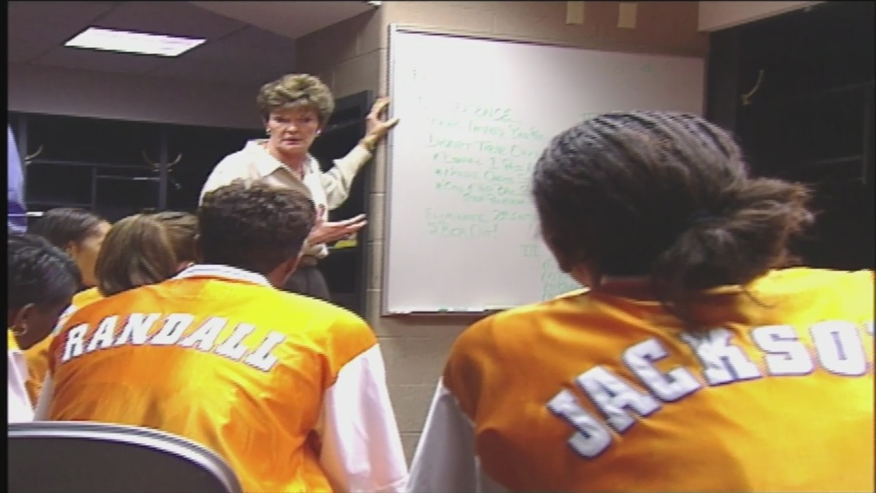 Former players, coaches share memories of Pat Summitt