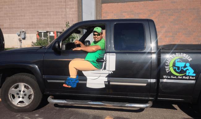 plumber-toilet-truck_201751