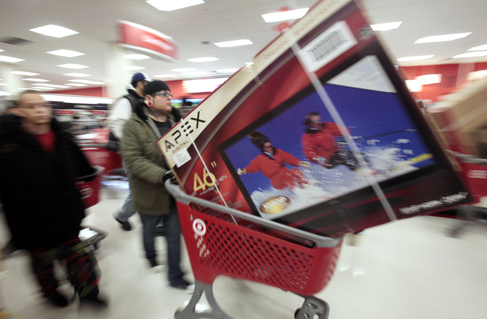Black Friday shoppers_240104