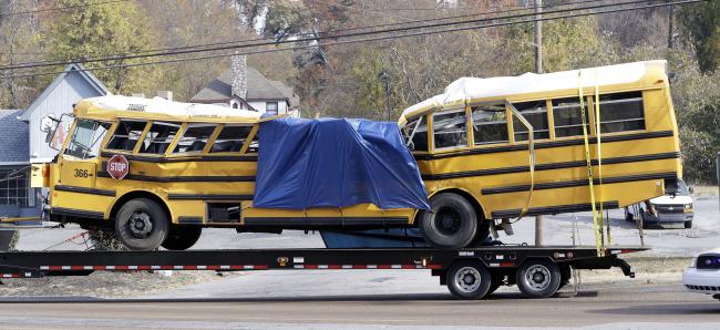 School Bus Crash Tennessee_323319