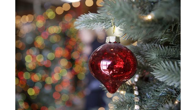 Christmas Tree Debate_1545665272714