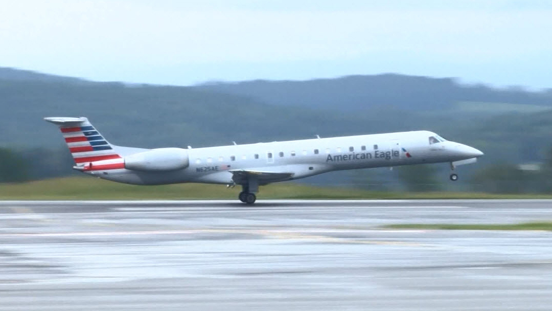 American Airlines flight diverts to TRI Monday night due to mechanical issue