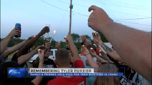 Loved ones of Tyler Porrier hold candle light vigil_208598