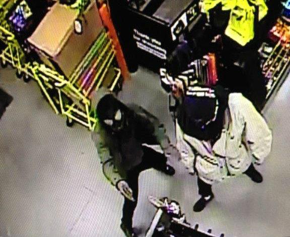 dollar-general-photos-armed-robbery-bolton-5_264928
