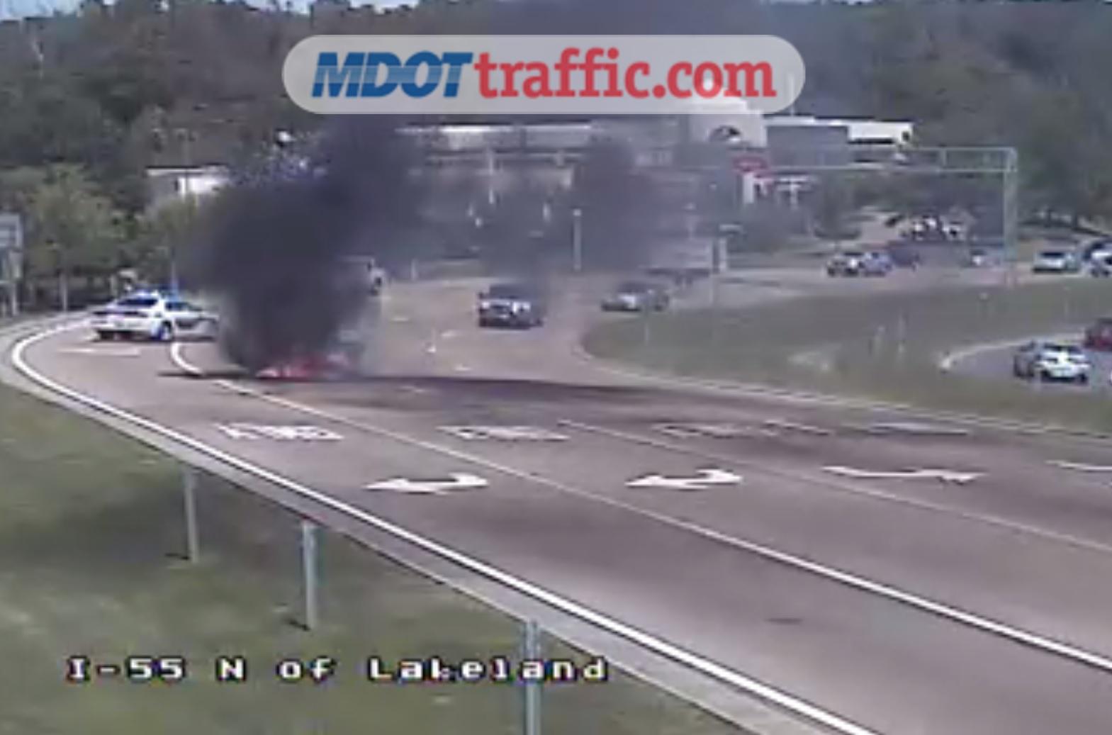 vehicle fire on 55 at lakeland_422936