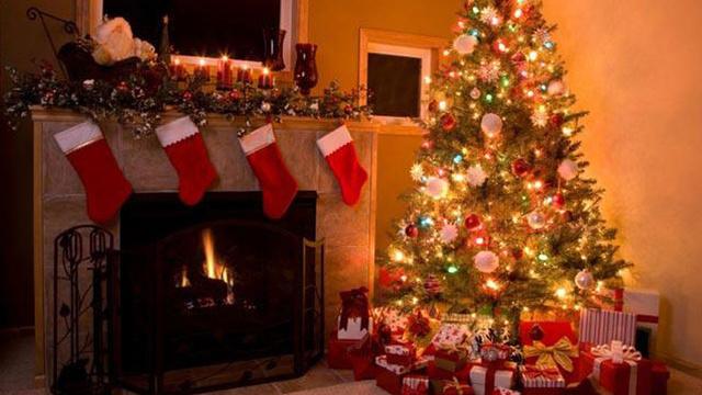 christmas-stockings-fireplace-holiday-christmas-tree_1513899484101_325387_ver1-0_30462887_ver1-0_640_360_474574