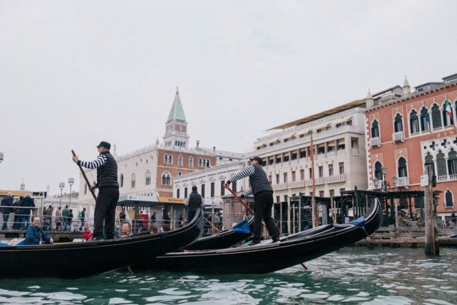 Gondola Boats Men