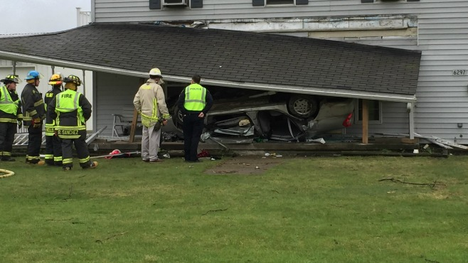 poland ohio car flip crash_217335
