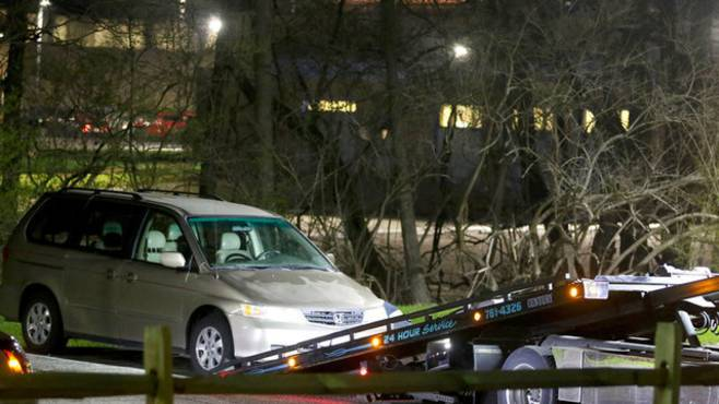 minivan trapped death Cincinnati