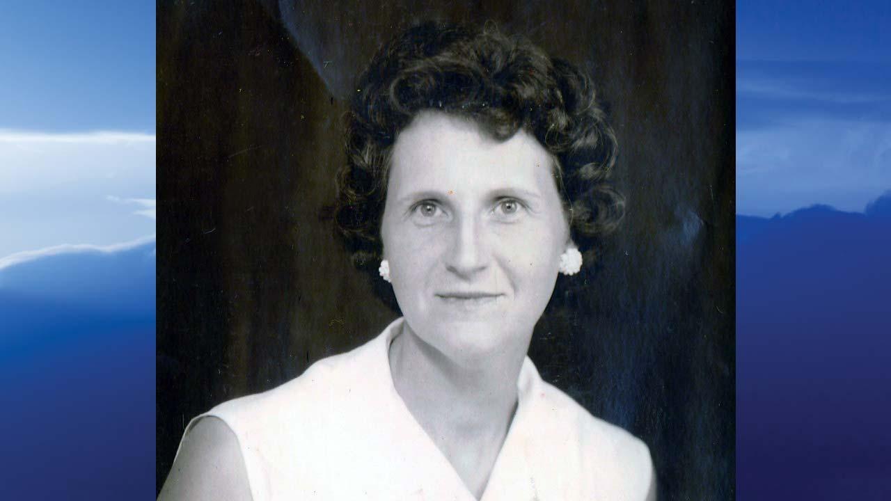 Claretta Jean Olejnik, Cortland, Ohio - obit