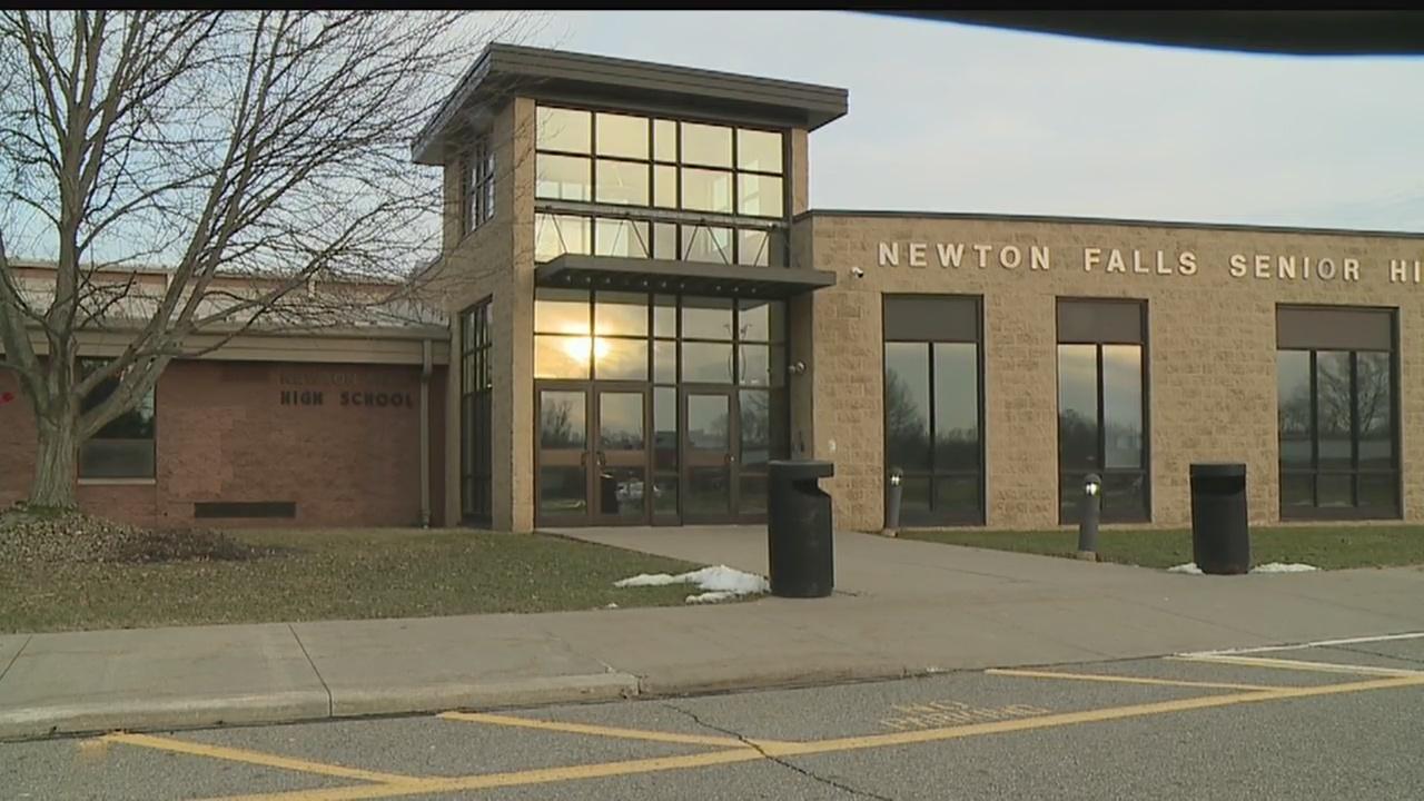 Newton_Falls_school_board_postpones_deci_0_20190225175918