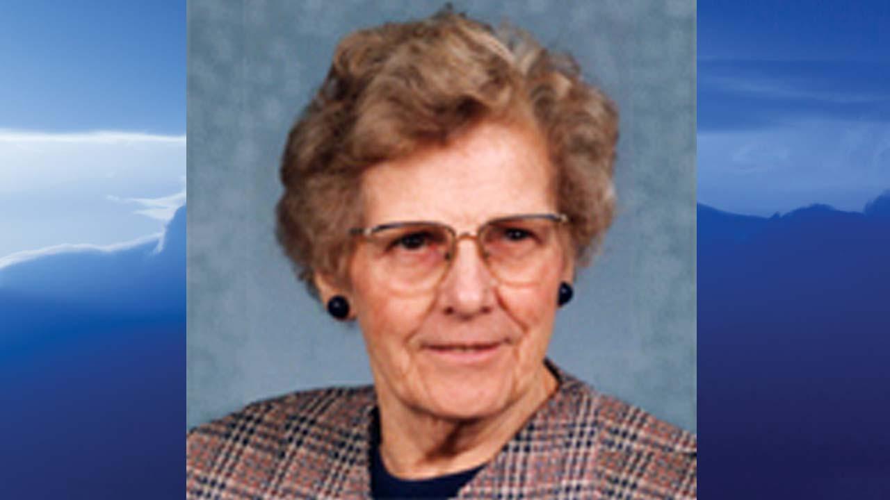 Alice Elizabeth (Betty) Klindienst Januszkiewicz, Ellwood City, Pennsylvania - obit