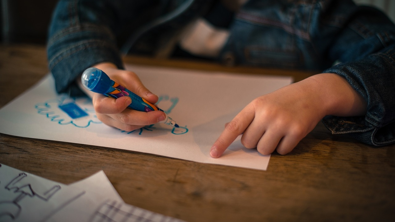 Kids drawing generic