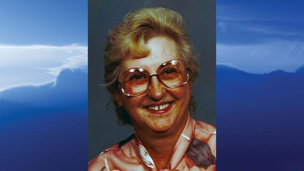 Nancy J. Pfund, Girard,Ohio-obit