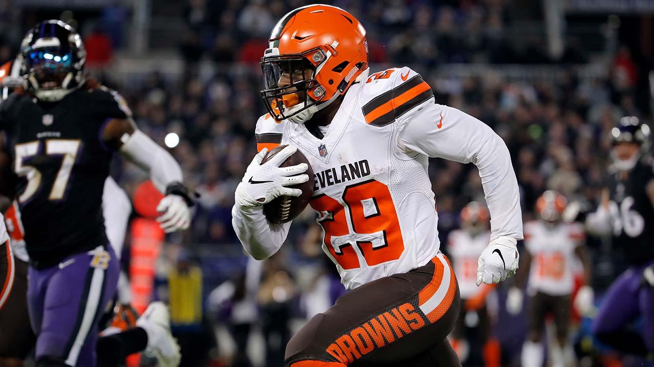 Cleveland Browns running back Duke Johnson 2
