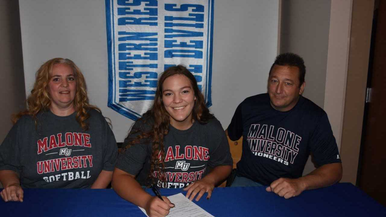 Layla Woolf, Western Reserve, Signs with Malone Softball