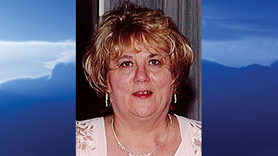 Linda Lou DeAngelis, Hubbard, Ohio - obit