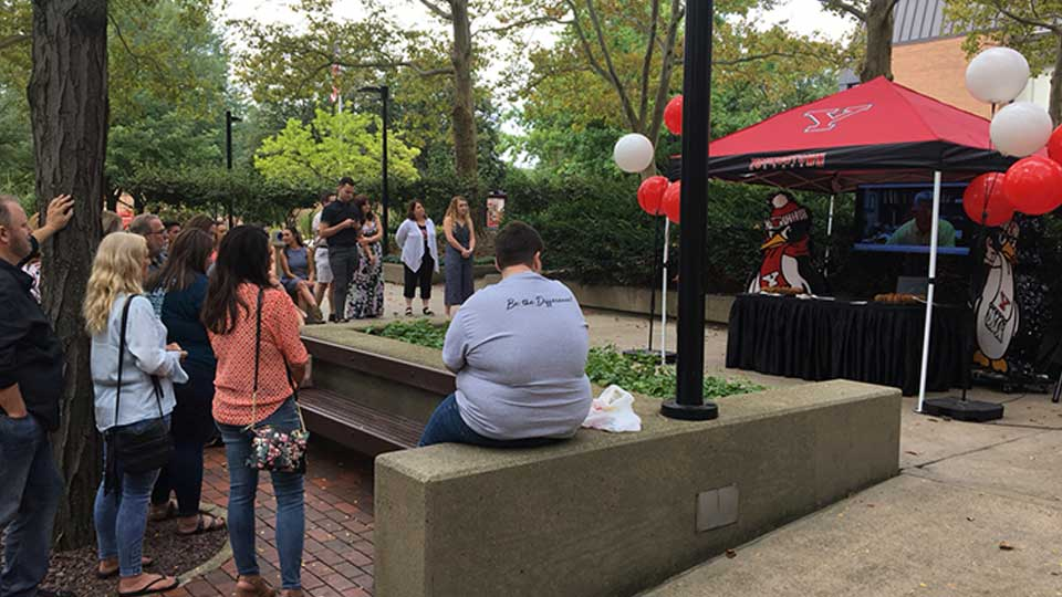 Youngstown State University kicked off its Jambar TV news program in front of students, staff and alumni Friday.
