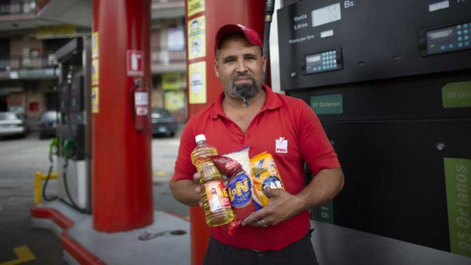 Venezuela gas station attendant Leowaldo Sanchez