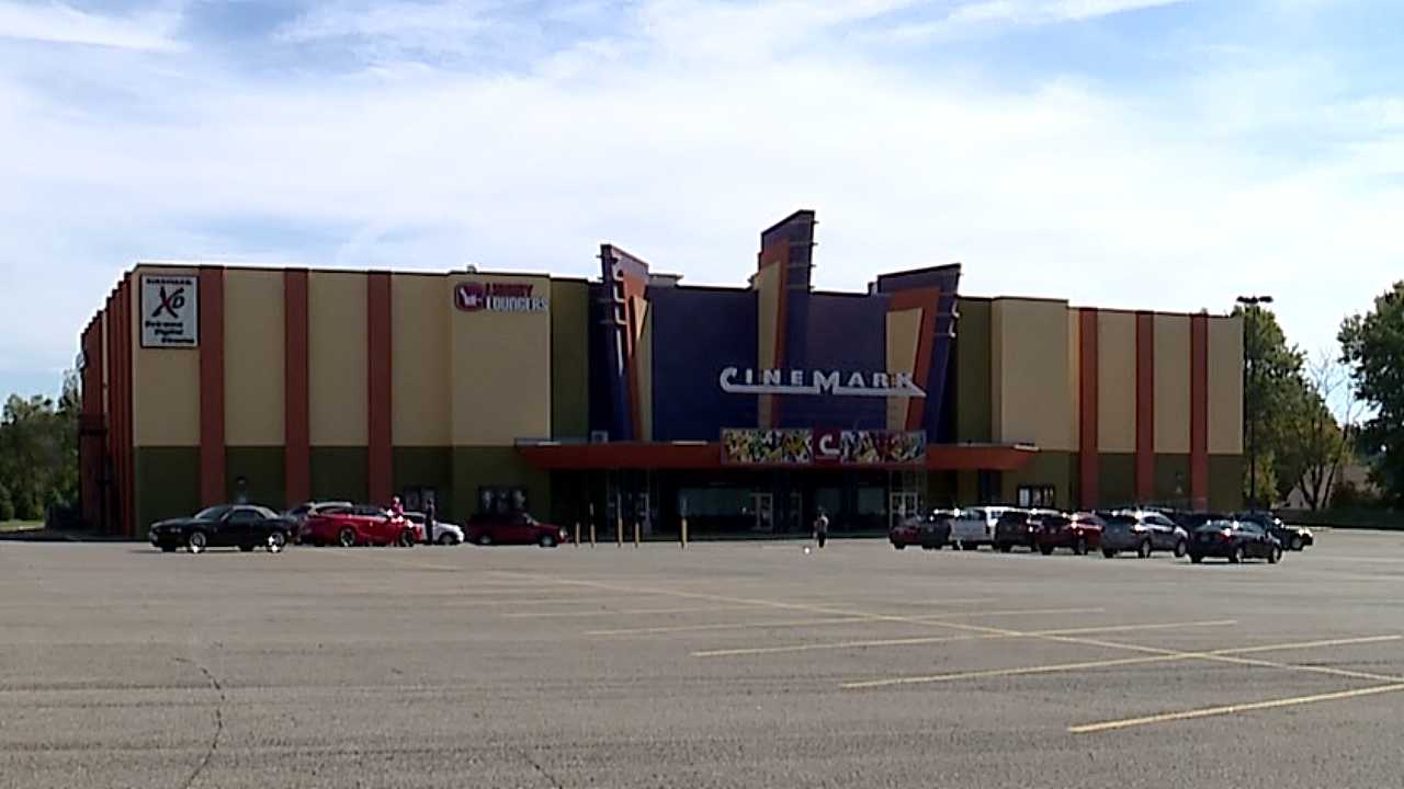 Cinemark Tinseltown, Boardman, movie theater