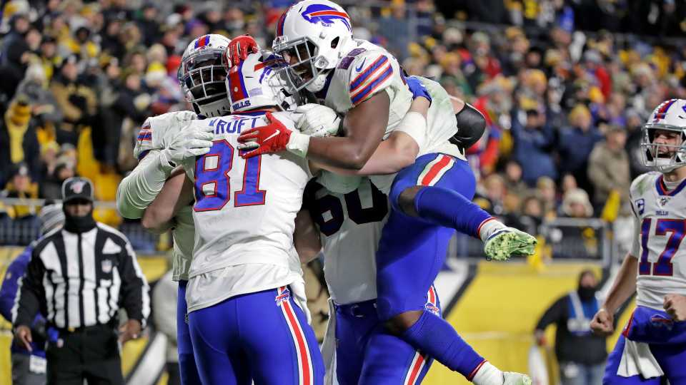 Buffalo Bills celebrate of their win over the Steelers