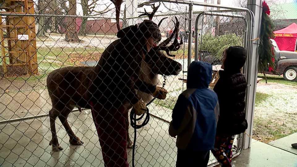 White House Fruit Farms kicks off Christmas on the Farm