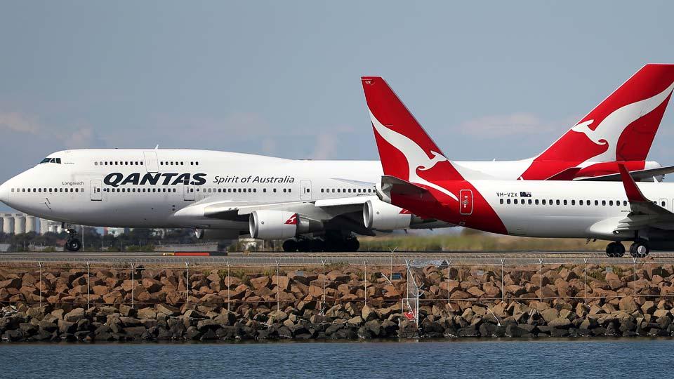 Qantas planes, Sydney Airport