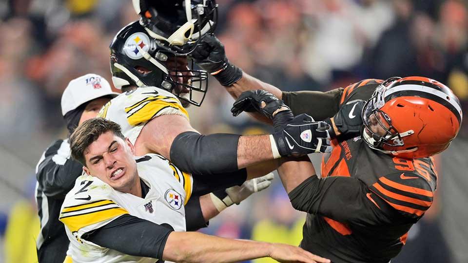 Mason Rudolph and Myles Garrett brawl Pittsburgh Steelers Cleveland Browns