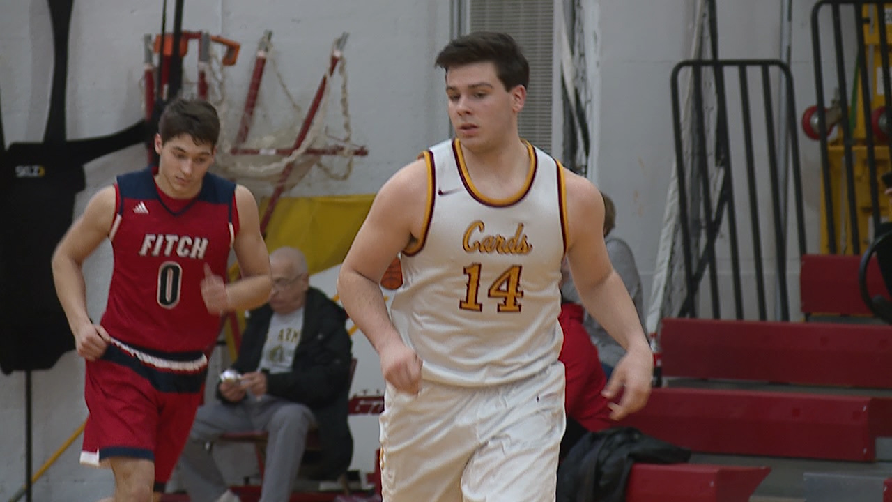 pelini helps cardinals past fitch