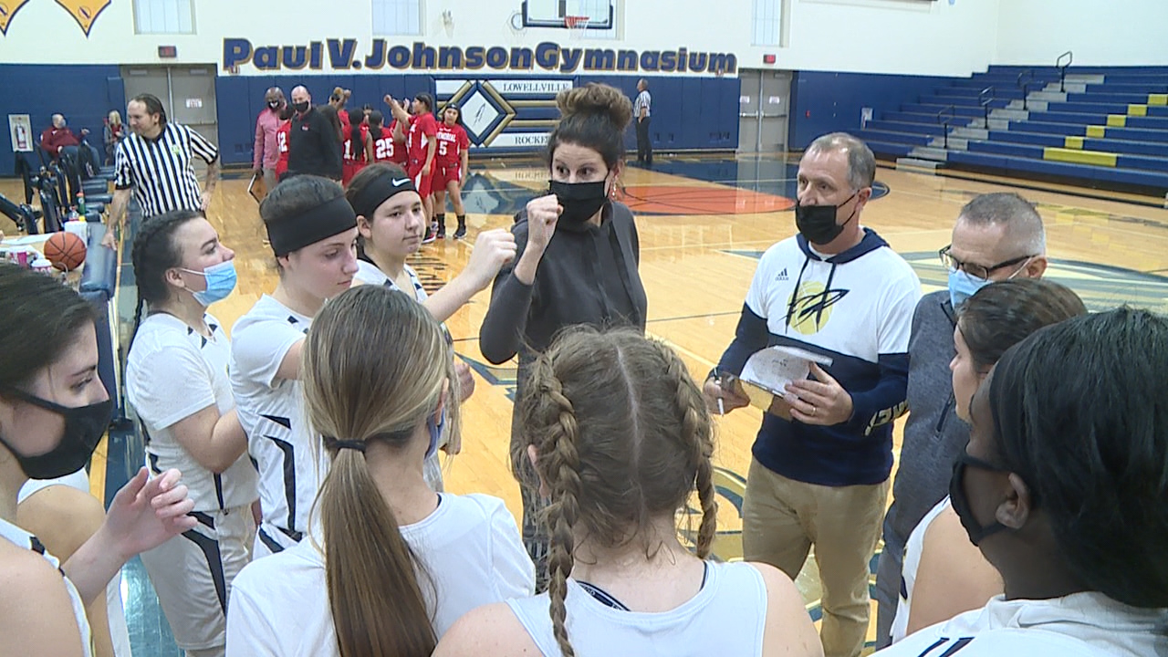 Highlights: Lowellville girls open season with big win over Campbell