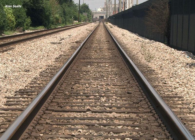 train tracks_246034